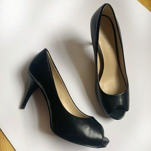 Nine West Black Peep Toe Heel Size 6.5